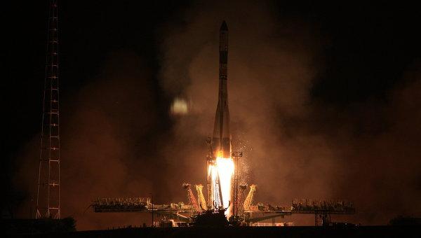 Старт ракеты-носителя с космодрома