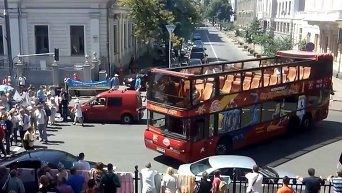 Митингующие под Верховной Радой перекрыли ул. Грушевского. Видео