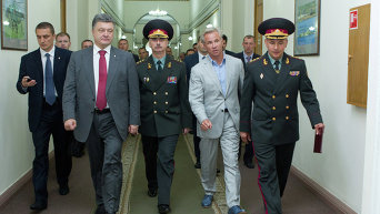 Петр Порошенко представил министра обороны Валерия Гелетея