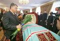 Порошенко возложил цветы к гробу митрополита УПЦ