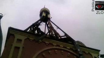 В Краснодоне разбомбили церковь. Видео