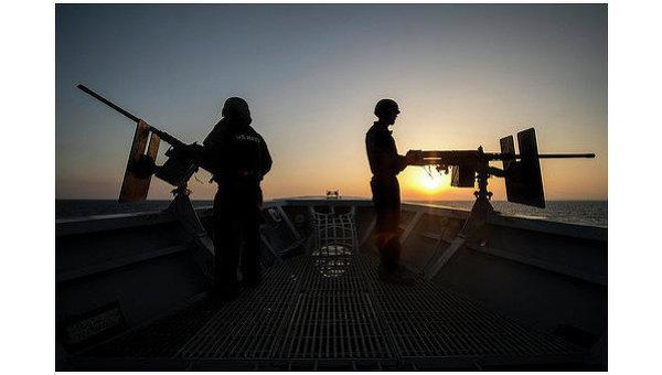НАТО продолжает увеличивать число своих кораблей в Черном море.