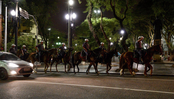 Полицейские в центре Сан-Паулу. Архивное фото