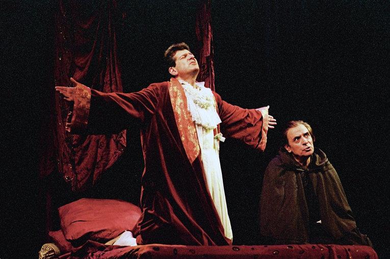 А.Лазарев и И.Костолевский в спектакле Кин IV Театра Маяковского