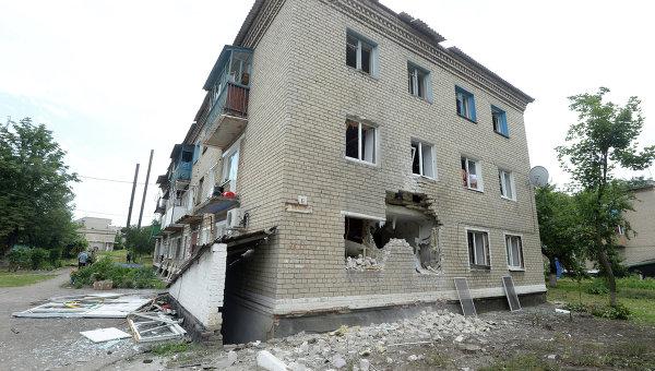 Город Марьинка после артобстрела