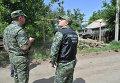 Правоохранители у одного из частных домов Донецка Ростовской области