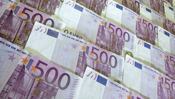 Денежные купюры: евро.