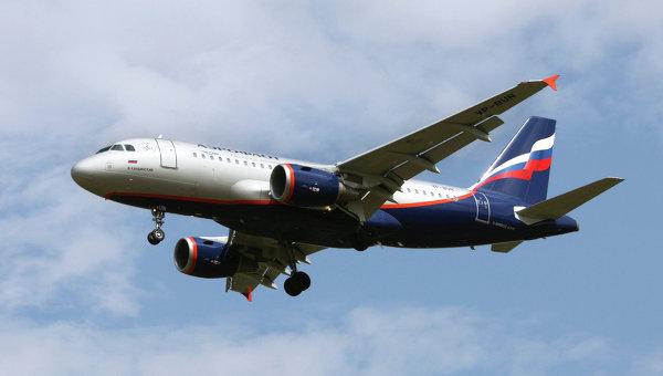 Пассажирский самолет Airbus A319 авиакомпании Аэрофлот.