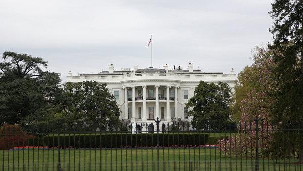 Вид на здание Белого дома в Вашингтоне
