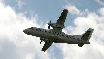 Самолет Ан-140 на МАКС-2005