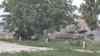 Ополченцы ведут бой под Донецком. Видео
