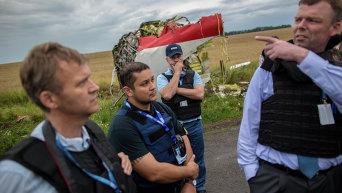 Эксперты миссии ОБСЕ на месте крушения лайнера Boeing 777