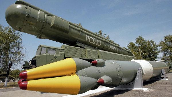 Баллистическая ракета с ядерной боеголовкой. Архивное фото