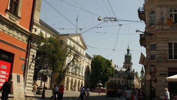 Вид на центр Львова - площадь Рынок. Архивное фото