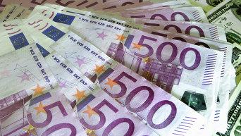Денежные купюры: евро. Архивное фото