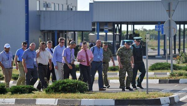 Наблюдатели ОБСЕ посетили российско-украинскую границу