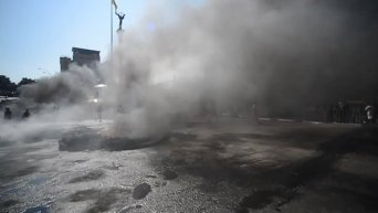 На Майдане снова жгли покрышки. Видео для видео