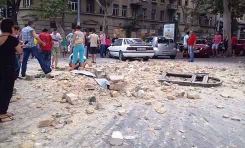 Подросток попал в реанимацию в результате обрушения фасада в Одессе