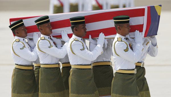 В Малайзию доставили тела погибших при крушении Boeing 777 в Украине. Архивное фото
