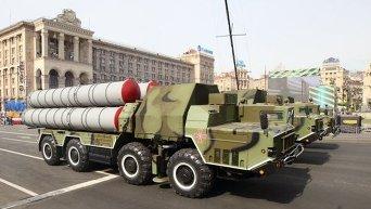 Зенитно ракетная система ЗРС С-300 Фаворит на параде войск