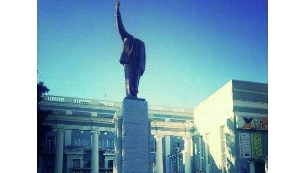В Харькове неизвестные обезглавили памятник Ленину