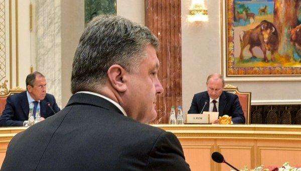 Петр Порошенко на переговорах в Минске