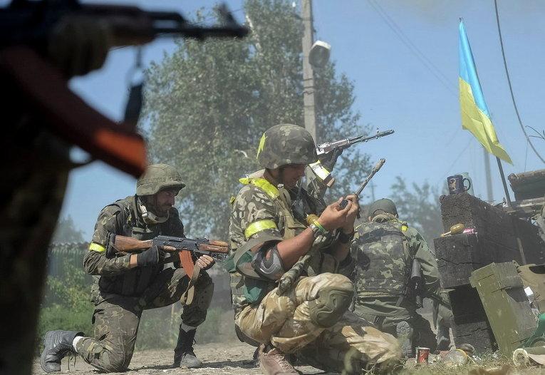 Украинские военные в Иловайске