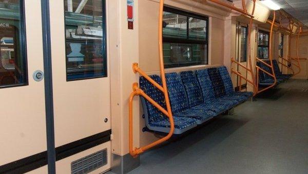 Вагон поезда метро
