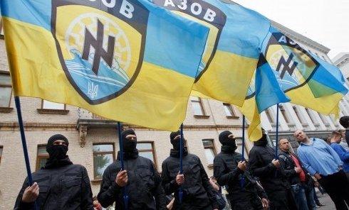 300 человек митинговали возле Администрации с требованием выслать подкрепление силам АТО в Иловайске