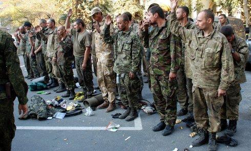 Пленные украинские военные вышли из окружения под Иловайском