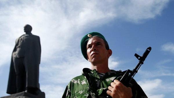 Ополченец в Луганске