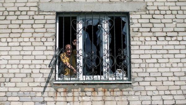 Местный житель в Донецке