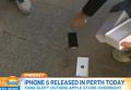 Первый покупатель iPhone 6 d Австралии тут же его разбил. Видео