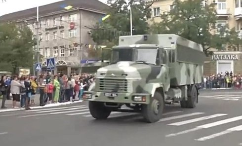 Парад военной техники в Мариуполе. Видео