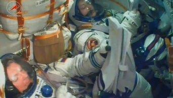 Союз ТМА-14М успешно добрался до МКС. Видео