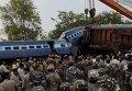 Столкновение двух пассажирских поездов в Индии