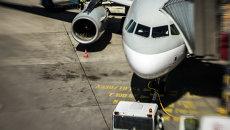 Самолет в аэропорту Тегель