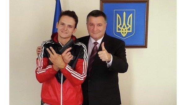 Аваков и руфер Гриша Мустанг