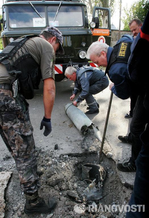 Последствия артиллерийского обстрела Донецка