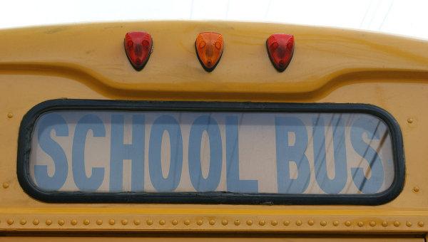 Школьный автобус попал в аварию в США, 12 человек погибли — ТВ