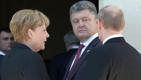 Ангела Меркель, Петр Порошенко и Владимир Путин. Архивное фото