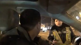 Один из лидеров Автомайдана, Хаджинов, обматерил гаишника. Видео
