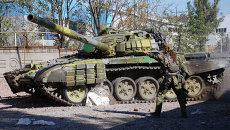 Ополченец ДНР в Донецке