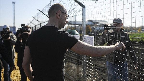 """Проект """"Стена"""" по обустройству госграницы с Россией выполнен на 20%, - Яценюк - Цензор.НЕТ 443"""