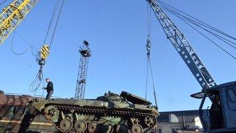 Ремонтники Днепропетровска передали военным восстановленную БМП