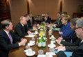Владимир Путин и Ангела Меркель во время встречи в Милане