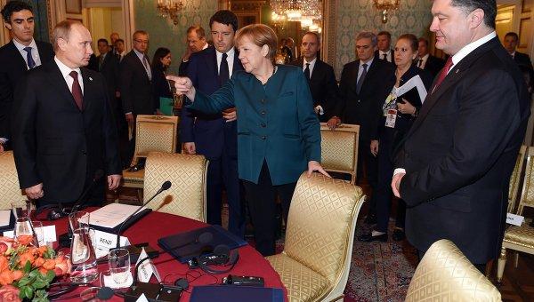 Владимир Путин, Маттео Ренци, Ангела Меркель и Петр Порошенко во время встречи в Милане, 17 октября 2014 года