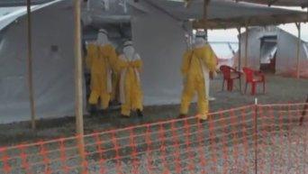 ВОЗ начала испытания вакцин против Эболы. Видео
