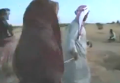 Арабскую женщину казнит за прелюбодеяние ее отец. Видео