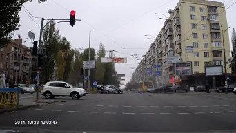 ДТП на бульваре Леси Украинки
